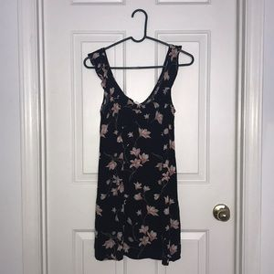 Black with pink flowers Aéropostale dress